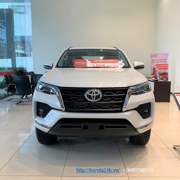 toyota-fortuner-2.4at-4x2-may-dau-2021