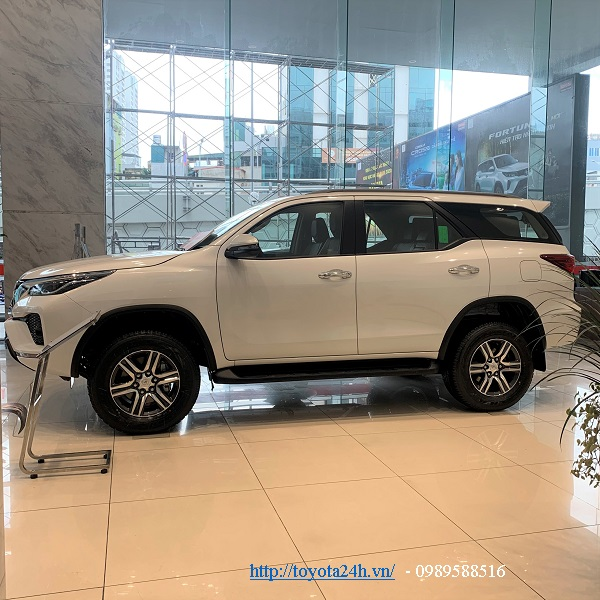 toyota-fortuner-2.4at-may-dau-2021-hinh-anh-than-xe